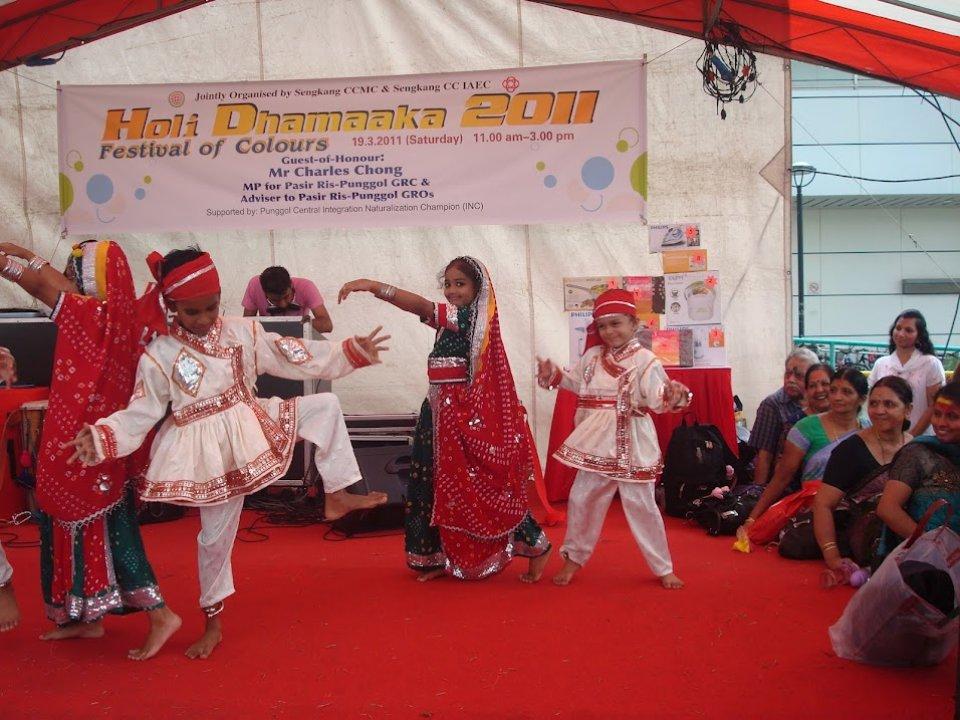 holi-dhamaaka-2011-02